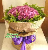 Bó hoa hồng tím