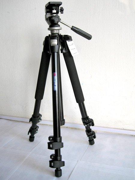 Chân máy ảnh Tripod VICTORY 3038