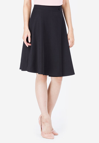 Chân Váy Xòe Xéo Lưng Đính Nút Cung Cấp Bởi Leena.