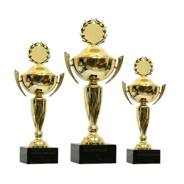 Cúp vàng thể thao8V0111