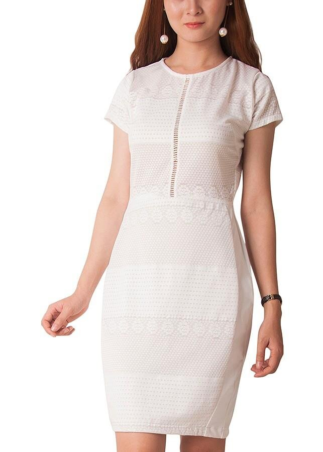 Đầm ren hoa tay ngắn Carita PAL0039