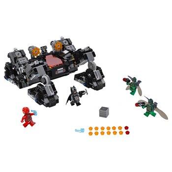 Đồ chơi tấn công đường hầm Knightcrawler Lego Superheroes 76086 (622 chi tiết)