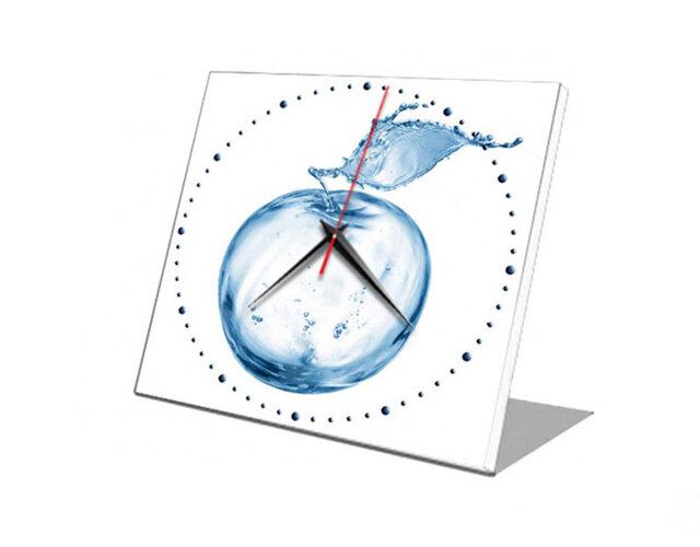 Đồng hồ để bàn Vicdecor táo nước nghệ thuật DHB0038