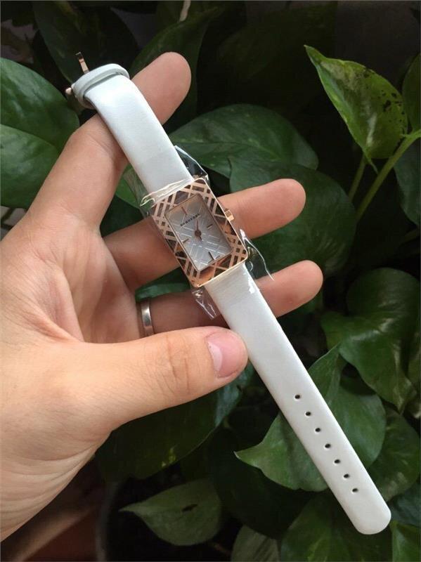 Đồng hồ nữ Burberry BU331