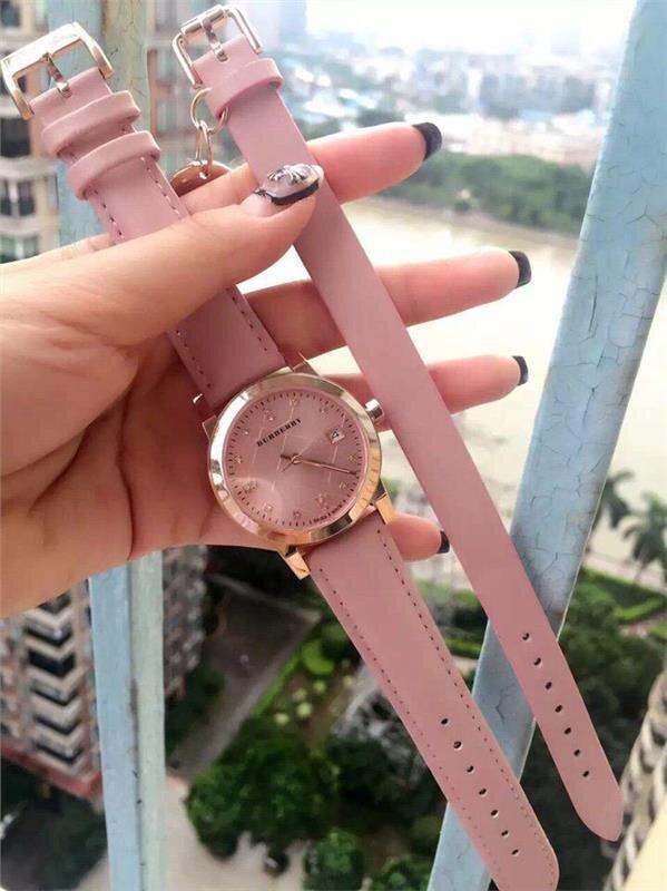 Đồng hồ nữ Burberry Diamond BU245