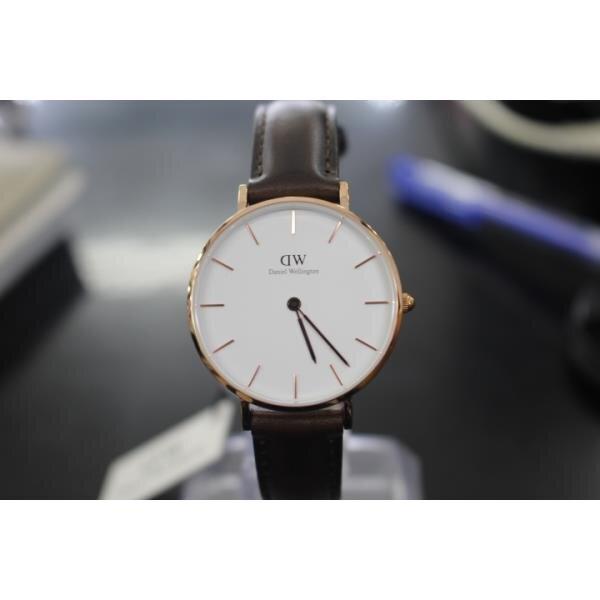 Đồng hồ nữ Daniel Wellington DW00100171
