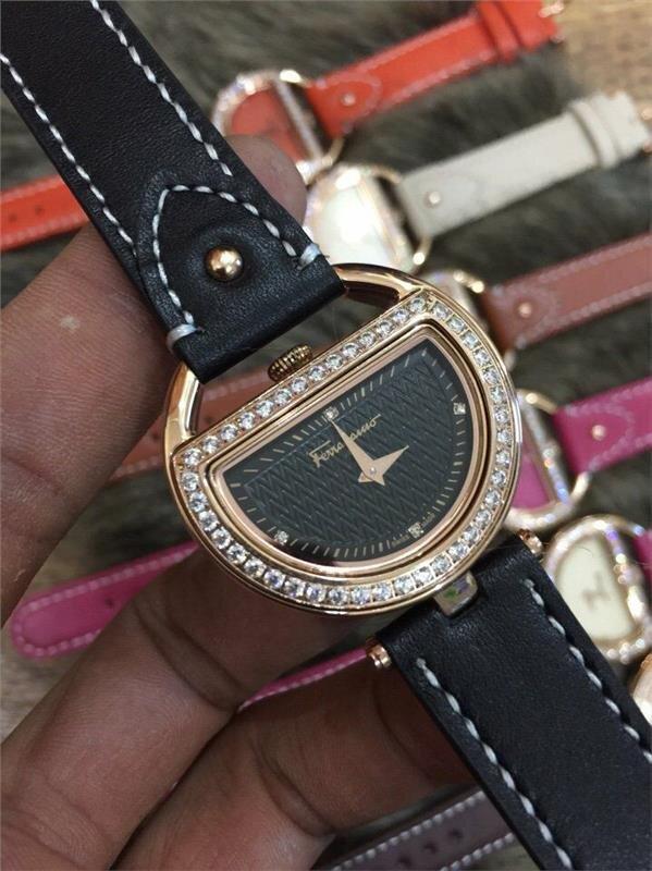 Đồng hồ nữ Ferragamo Diamond FRG108