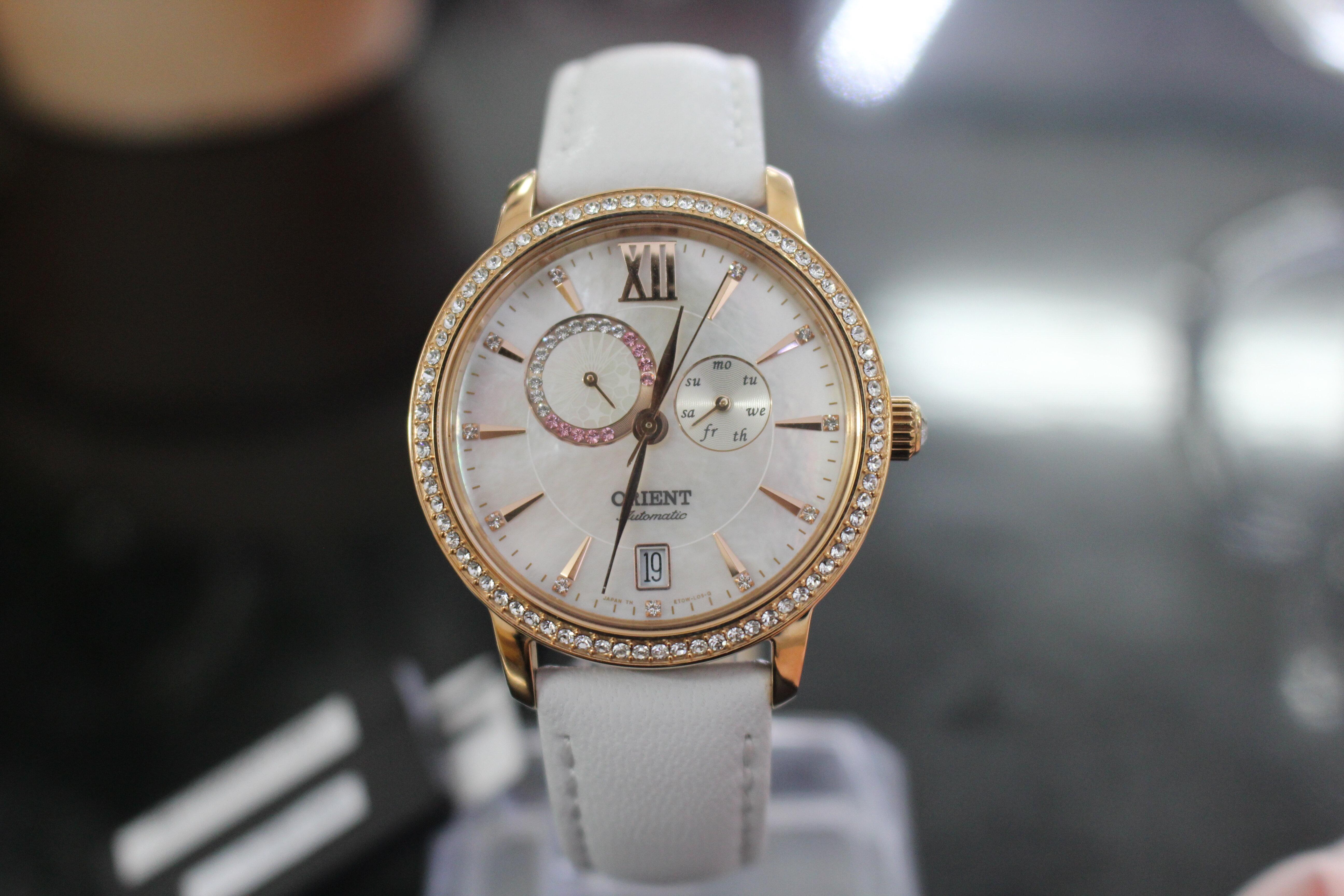 Đồng hồ nữ Orient SET0W001W0