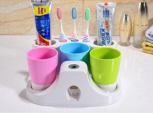 Dụng Cụ Nhả Kem Đánh Răng Tự Động 3 Cốc Dhome