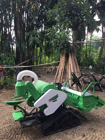 Máy gặt đập liên hợp mini 4LZ-0.6