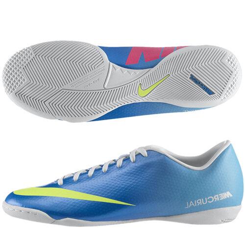Giầy bóng đá Nike 555615