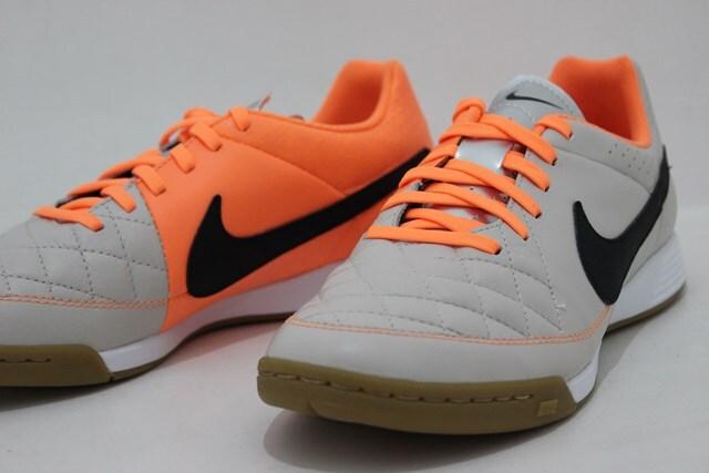 Giày bóng đá Nike Tiempo Genio Leather IC