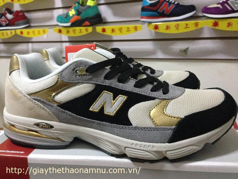 Giày thể thao NB 880-N02
