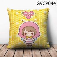 Gối vuông cô bé ong hồng - GVCP044