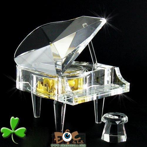 Hộp nhạc Piano thủy tinh