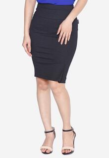 Chân váy ôm cạp phối khuy The One Fashion VDS2271CRD5S