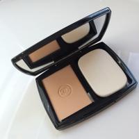 Phấn nền dạng nén Chanel Double Perfection Lumiere SPF15