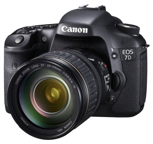 Máy ảnh DSLR Canon EOS 7D - 18 MP, EF-S 18-135mm F3.5-5.6 IS USM