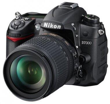 Máy ảnh DSLR Nikon D7000 - 16.2 MP, 18-105mm F3.5-5.6 AF-S DX VR ED
