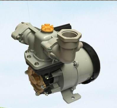 Máy bơm nước chân không Hitachi W-P200N