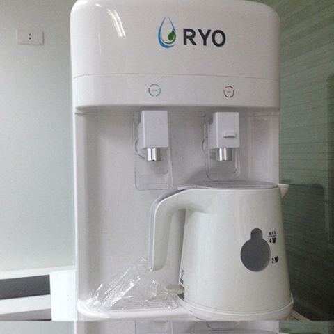 Máy lọc nước nóng lạnh RYO RP102BH