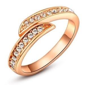 Nhẫn mạ vàng đính pha lê Hana Trade R0003 - màu RGP/WP