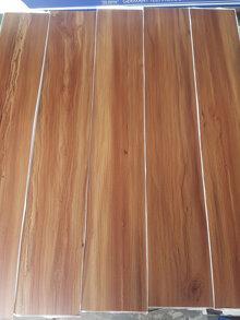 Nhựa lót sàn có keo sẵn TH011