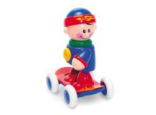 Cậu bé trượt ván Tolo 89613