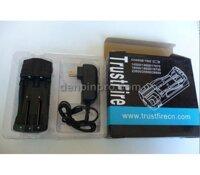 Sạc pin TrustFire TR-007