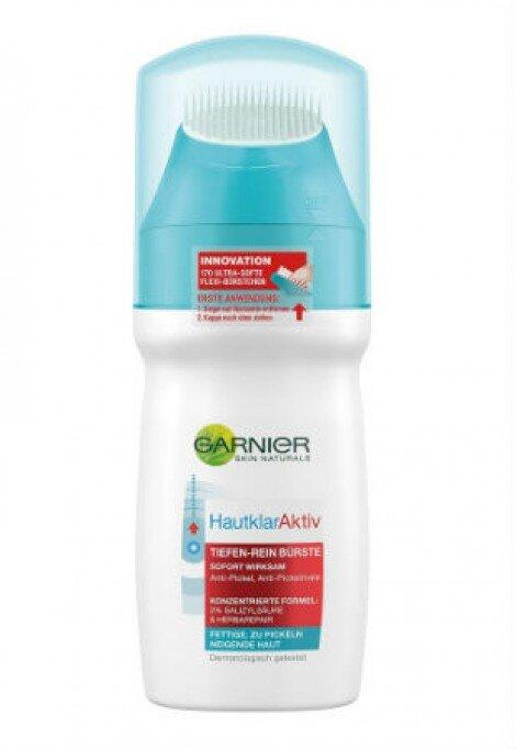 Sữa rửa mặt trị mụn kèm bàn chải Garnier Hautklar Aktiv