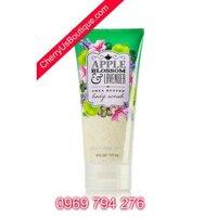 Sữa tắm tẩy tế bào chết Apple Blossom and Lavender Bath & Body Works