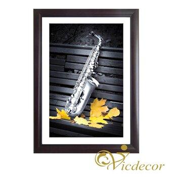 Tranh đơn sắc Saxophone Vicdecor TDS0030
