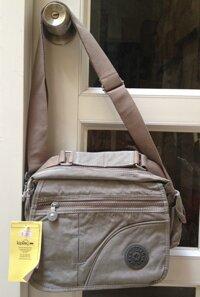 Túi đeo vải dù Kipling. TX41