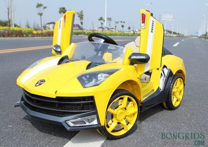 Xe ô tô điện trẻ em 8188B - Dáng xe đua