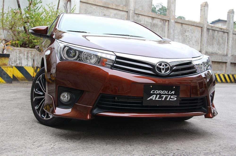 Xe ô tô Toyota Corolla Altis 2.0 V CVT-i Số Tự Động