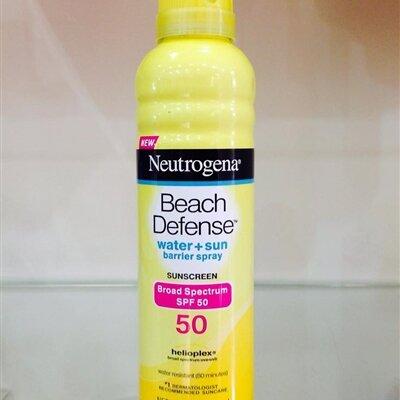 Xịt Chống Nắng Neutrogena Beach Defense SPF 50