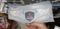 Biểu tượng cánh thiên thần Mitsubishi màu bạc