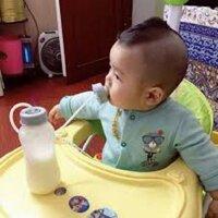 Bình sữa rảnh tay - Hàn Quốc