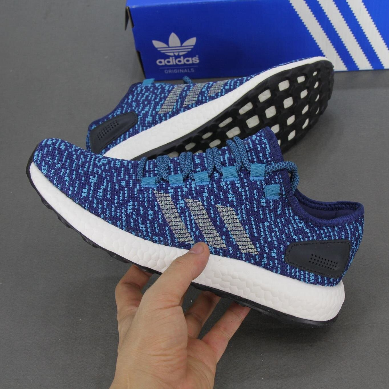 Giày thể thao Adidas Pure Boost