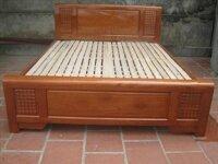 Giường gỗ xoan đào 1m8 x 2m – GG-07