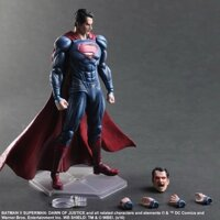Mo hinh do choi cao cap Play Arts Super Man